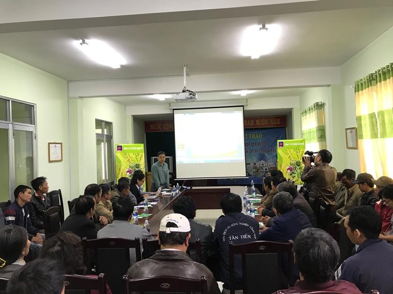 Ông Trần Văn Thắng - KS Nông nghiệp trình bày vai trò của phân hữu cơ trên cây ăn trái và rau màu